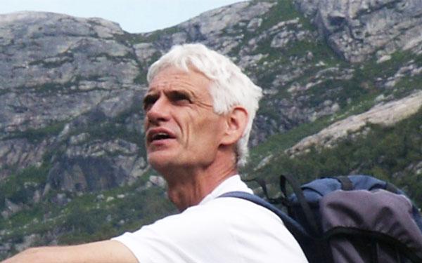 Jos Haase Coach in bewustzijn, rebalancing, as it is in heaven, individuele en groeps begeleiding en zangworkshops.